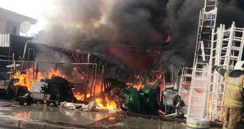 Tatil merkezi Alaçatı'da yangın