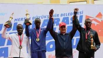Mersin maratonunda parkur rekoru kırıldı