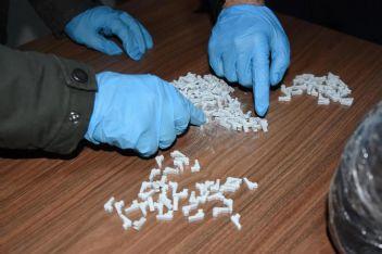 Silah şeklinde, 20 bin uyuşturucu hap ele geçirildi