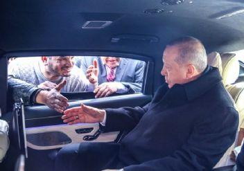 Erdoğan ile minibüsçülerin sohbeti kameralara yansıdı