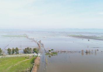100 bin dönümlük tarım arazisi sular altında!