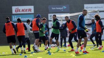 Fenerbahçe'de Zenit'e bileniyor