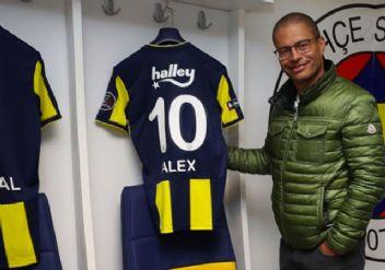 Fenerbahçe efsanesi Alex sonunda geri dönüyor!