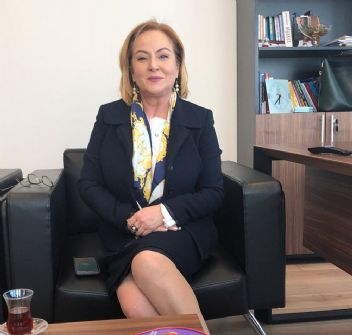 Mersin'de İYİ Parti Ayfer Yılmaz'la devam edecek