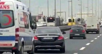 Ambulansa yol vermeyen sürücü dehşeti yaşattı