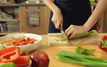 Yemek yapmayan anneye dava