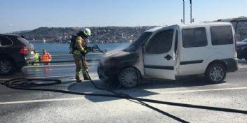15 Temmuz Şehitler Köprüsü'nde polis aracı yandı