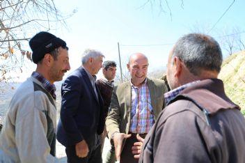 İzmir Büyükşehir Başkanı Tunç Soyer en düşük oy aldığı mahalleyi ziyaret etti
