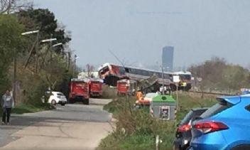 Avusturya'da tren tıra çarptı: 15 yaralı