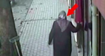 Türk bayrağını öpen yaşlı kadın sosyal medyada