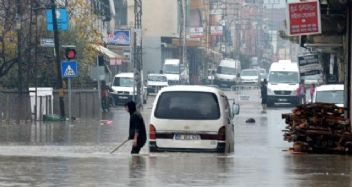 Adana'da yarın 25 Aralık Çarşamba okullar tatil mi?
