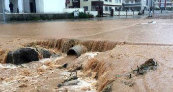 Adana'da okullara yağmur tatili
