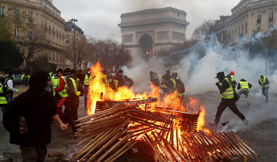 France_Gas_Price_Protest48_c0-0-4120-2402_s885x516