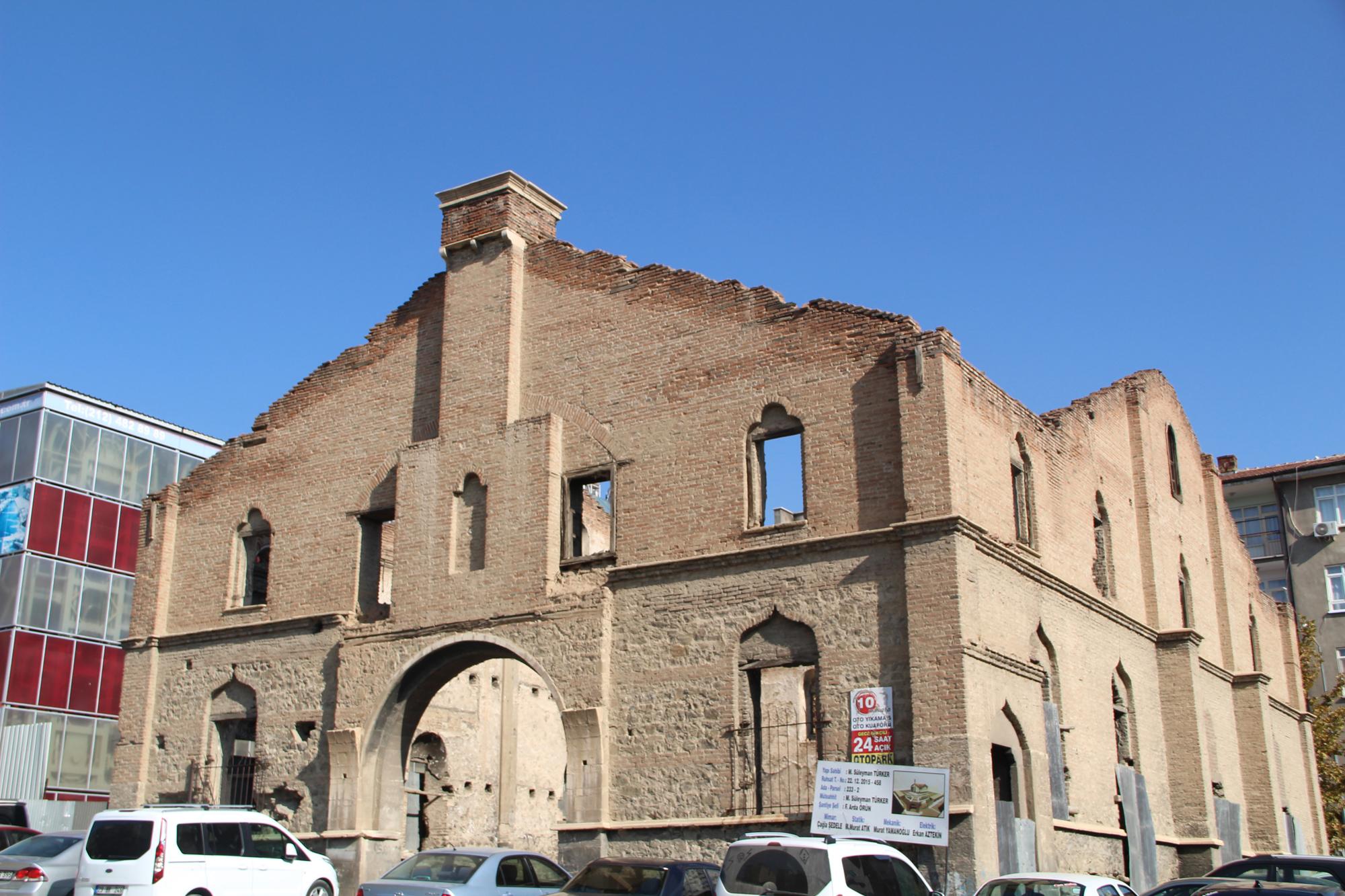 tarihi-kilise-icin-restorasyon-cikmazi_6003_dhaphoto6